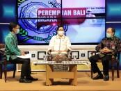 Ketua Tim Penggerak PKK Provinsi Bali Putri Suastini Koster dalam sebuah acara dialog tentang pencegahan penularan covid-19 - foto: Istimewa
