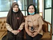 Nabila Talitha Sari dan Kepala SMP N 2 Purworejo, Yosiyanti Wahyuningtyas, MPd. - foto: Sujono/Koranjuri.com