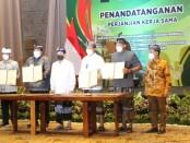 Menteri Perdagangan Agus Suparmanto menyaksikan penandatanganan Perjanjian Kerja Sama Pengembangan Pemberdayaan Usaha Mikro, Kecil dan Menengah di Nusa Dua, Bali, Kamis, 26 November 2020 - foto: Totok Waluyo/Koranjuri.com