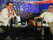 Wakil Gubernur Bali Tjokorda Oka Artha Ardhana Sukawati (kiri) dan Kepala Perwakilan wilayah Bank Indonesia (KPwBI) Bali Trisno Nugroho (kanan) pada Simakrama bersama Badan Musyawarah Perbankan Daerah (BMPD) Bali, di The Royal Pitamaha Ubud, Gianyar, Sabtu (5/12/2020) - foto: Istimewa