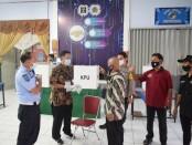 Proses pemilihan di TPS 11 Rutan Purworejo, Rabu (09/12/2020) - foto: Sujono/Koranjuri.com