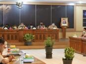 Rakor persiapan penanggulangan bencana dan penanganan covid-19 di Ruang Arahiwang Setdakab Purworejo, Senin (14/12/2020) - foto: Sujono/Koranjuri.com