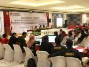 Suasana rapat pleno terbuka KPU Purworejo dalam rekapitulasi hasil penghitungan suara pilbup dan Wabup Purworejo 2020, Selasa (15/12/2020) di Ganesha Convention Hall - foto: Sujono/Koranjuri.com