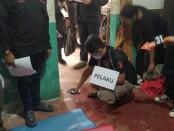 Ditreskrimsus Polda Metro Jaya menggelar rekonstruksi kasus pembunuhan mutilasi yang terjadi di kawasan Kampung Pulo Gede, Jakasampurna, Bekasi Barat, Kota Bekasi, Rabu (16/12/2020) siang - foto: Istimewa