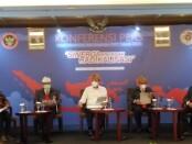 Kepala Badan Nasional Penanggulangan Terorisme (BNPT) Komjen Pol Boy Raffi Amar (tengah) memberikan keterangan Survey Nasional BNPT 2020 di Nusa Dua Bali, Rabu, 16 Desember 2020 - foto: Koranjuri.com