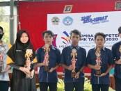 Enam siswa SMK N 6 Purworejo, peraih juara dalam LKS (Lomba Kompetensi Siswa) SMK tingkat Kabupaten Purworejo - foto: Sujono/Koranjuri.com