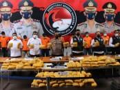 Polisi melakukan ekspose peredaran narkoba jaringan Timur Tengah berhasil dibongkar Polda Metro Jaya di Petamburan, Jakarta Pusat - foto: Bob/Koranjuri.com
