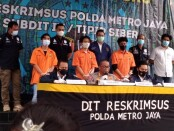 Polda Metro Jaya menangkap tiga pelaku penjual surat PCR palsu - foto: Bob/Koranjuri.com