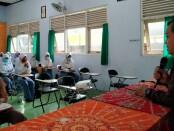 Kepala SMK Kesehatan Purworejo, Nuryadin, SSos, MPd, saat membuka Diklat Pengganti PKL ( Peningkatan Kompetensi), Senin (04/01/2021) - foto: Sujono/Koranjuri.com