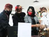 Launching Gerakan Nasional (Gernas) Bangga Buatan Indonesia di Bandara Ngurah Rai, dihadiri secara langsung oleh Menkop UKM Teten Masduki dan Menteri Pemberdayaan Perempuan dan Perlindungan Anak (PPPA) Bintang Puspayoga - foto: Istimewa