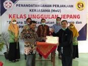 Penandatanganan MoU antara SMK Kesehatan Purworejo dengan LPK Kansha Indonesia Center, Selasa (27/01/2021) - foto: Sujono/Koranjuri.com