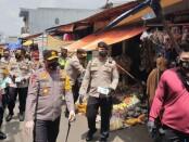 Kapolda Metro Jaya Irjen Fadil Imran memantau  pasar kaget, Kalibata Utara 5 Jakarta Selatan dalam rangka program Jakarta Bermasker - foto: Bob/Koranjuri.com