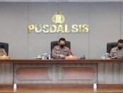 Kapolri Jenderal Pol Listyo Sigit Prabowo memimpin rapat tentang rencana Pemberlakuan Pembatasan Kegiatan Masyarakat (PPKM) level mikro - foto: Istimewa