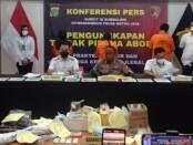 Pelaku aborsi ilegal diamankan Subdit III Sumdaling Dit Reskrimsus Polda Metro Jaya - foto: Bob/Koranjuri.com