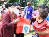 Ketua Tim Penggerak (TP) PKK Provinsi Bali Putri Suastini Koster mengunjungi Kantor Kecamatan Gerokgak, Kabupaten Buleleng pada Selasa (2/3/2021) - foto: Istimewa