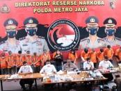 Direktorat Reserse Narkoba Polda Metro Jaya mengungkap produksi tembakau gorila yang diproduksi secara home industri - foto: Bob/Koranjuri.com