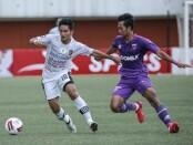 Persita (ungu/kanan) vs Bali United (putih/kiri) - foto: Istimewa