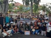 Donasi kemanusiaan untuk korban bencana Siklon Tropis Seroja yang digalang mahasiswa asal NTT di Bali - foto: Istimewa
