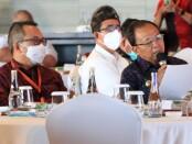 Gubernur Bali Wayan Koster (kanan) bersama Kepala Perwakilan wilayah Bank Indonesia Provinsi Bali Trisno Nugroho saat menghadiri acara 'Sarasehan Akselerasi Pemulihan Ekonomi Nasional-Temu Stakeholders' di Avurpa Kempinski Bali, Nusa Dua, pada Jumat (9/4/2021) - foto: Istimewa