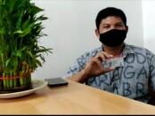 Anton, Salah satu masyarakat yang mendapatkan manfaat dari aplikasi SIM online - foto: Istimewa
