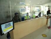 Pemeriksaan penumpang pesawat kategori non mudik di Bandara I Gusti Ngurah Rai Bali - foto: Istimewa/Koranjuri.com