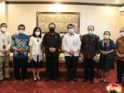 Wakil Gubernur Bali Prof. Tjokorda Oka Artha Ardhana Sukawati (Cok Ace) menerima audiensi rombongan Fakultas Kedokteran UNUD yang dipimpin langsung oleh Dekan Prof. Dr. dr. I Ketut Suyasa, Sp.B.SpOT.(K) - foto: Istimewa