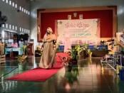 Salah satu penampilan peragaan busana dalam Gelar Karya untuk Produk Unggulan Tata Busana, Produk Kreativitas dan Kewirausahaan di SMKN 7 Purworejo, Kamis (20/05/2021) - foto: Sujono/Koranjuri.com