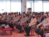 Kapolda Metro Jaya Irjen Pol Mohammad Fadil Imran mengumpulkan Kapolsek dan Bhabinkamtibmas di Wilayah Jakarta, dalam rangka menyamakan persepsi dalam menangani potensi penguatan covid-19 pasca mudik lebaran - foto: Istimewa