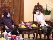 Menteri Sosial Tri Rismaharini bertemu Gubernur Bali Wayan Koster di rumah jabatan Jayasabha, Kamis, 27 Mei 2021 - foto: Istimewa