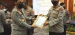 Divisi Humas Polri Beri 2 Penghargaan kepada Humas Polda Jatim