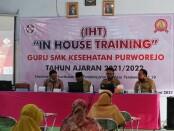 Pelaksanaan In House Training di SMK Kesehatan Purworejo, Senin (07/06/2021) hingga Selasa (08/06/2021) - foto: Sujono/Koranjuri.com