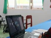 Kepala SMK Kesehatan Purworejo Nuryadin, SSos, MPd, saat Audiensi Program Beasiswa Berkelanjutan dengan Universitas Negeri Yogyakarta (UNY), Selasa (22/06/2021), yang dilakukan dengan Zoom - foto: Sujono/Koranjuri.com