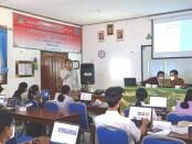 Guru SMAN 1 Blahbatu Dapat Platform Media Pembelajaran Gratis dari Dosen ITB STIKOM Bali - foto: Istimewa