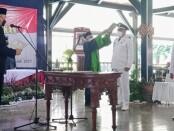 Bupati Purworejo Agus Bastian, Rabu (07/07/2021), saat melantik 43 kepala desa (kades) terpilih hasil pilkades serentak dan pilkades antar waktu se-Kabupaten Purworejo, di Pendopo Kabupaten Purworejo - foto: Sujono/Koranjuri.com