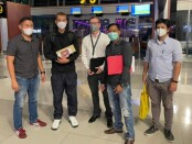 Warga Negara Denmark bernama Niklas Pihl Madsen dideportasi melalui Bandar Udara Internasional Soekarno Hatta, Selasa (27/7/2021) - foto: Istimewa