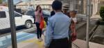 Belum Punya Tiket Pulang, WN Tanzania dan Bayinya Masih Tertahan di Bali