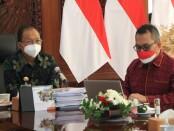 Gubernur Bali Wayan Koster (kiri) dan Kepala Perwakilan wilayah Bank Indonesia (KPwBI) Provinsi Bali Trisno Nugroho (kanan) - foto: Istimewa