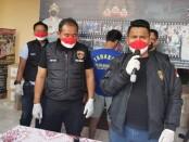 Polisi menangkap pelaku pemerasan di sebuah proyek pembangunan perkantoran dan hunian di jalan Joglo Raya RT 001/007, Joglo, Kembangan, Jakarta Barat - foto: Istimewa
