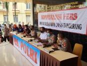 Keterangan pers saat serah terima tiga jenazah Warga Binaan Pemasyarakatan (WBP) korban kebakaran Lapas Kelas I Tangerang, dari tim Disaster Victim Identification (DVI) Polri, Minggu (12/9/2021) - foto: Istimewa