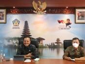 Sekretaris Daerah Provinsi Bali Dewa Made Indra (kiri) didampingi Kepala Biro Organisasi Setprov Bali I Wayan Sarinah (kanan) - foto: Istimewa