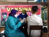 Vaksinasi di SMK PN-PN2 Purworejo, Selasa (05/10/2021) - foto: Sujono/Koranjuri.com