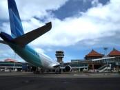 Pesawat yang terparkir di Bandara Ngurah Rai Bali - foto: Istimewa