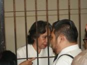 Margriet C. Megawe berada di ruang tahanan PN Denpasar pada sidang kedia, Selasa, 27 Oktober 2015 - foto: Koranjurii.com