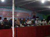 Untuk menjaga suasana tetap kondusif menjelang pemilukada yang akan dilaksanakan secara serentak tanggal 9 Desember mendatang Polres Purworejo mengadakan istighosah