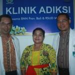 Tim medis yang menangani pasien pecandu narkoba di Klinik Adiksi RSUD Mangupura - foto: Koranjuri.com