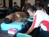 Kegiatan sosial donor darah itu karyawan LPD Jimbaran - foto: Koranjuri.com