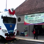 Kereta Rail Clinic saat operasi perdana di Stasiun Wojo, Bagelen, Purworejo - foto: Sujono