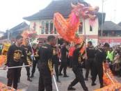 Tarian Liong yang diperagakan oleh anggota Polresta Surakarta - foto: Djoko Judiantoro/Koranjuri.com