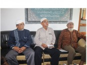 Pemimpin Ponpes-Ngruki, KH. Wahyudin (kanan) - foto: Djoko Judiantoro/Koranjuri.com