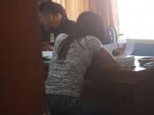 Perempuan pembawa narkoba yang ditangkap petugas BNN Kota Denpasar tepat di hari Valentine - foto: Wahyu Siswadi/Koranjuri.com